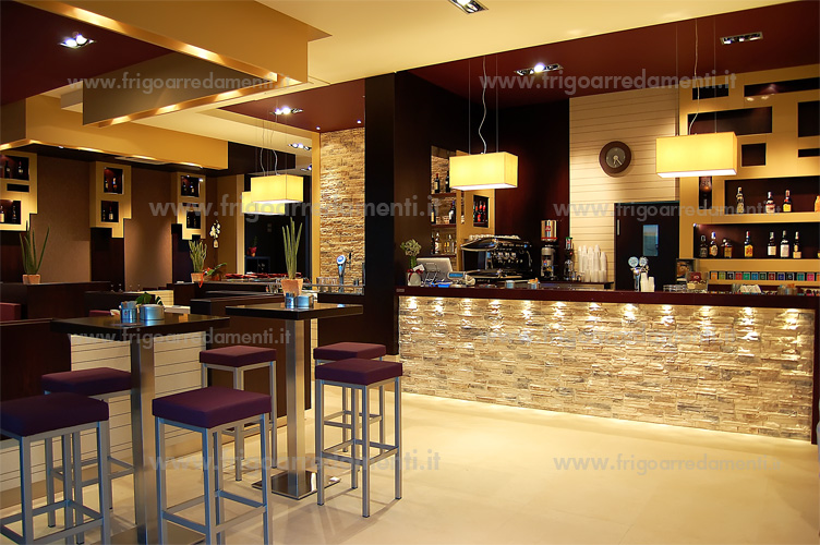 Arredamento Bar Sedie E Tavoli.Frigoarredamenti S A S Arredamenti