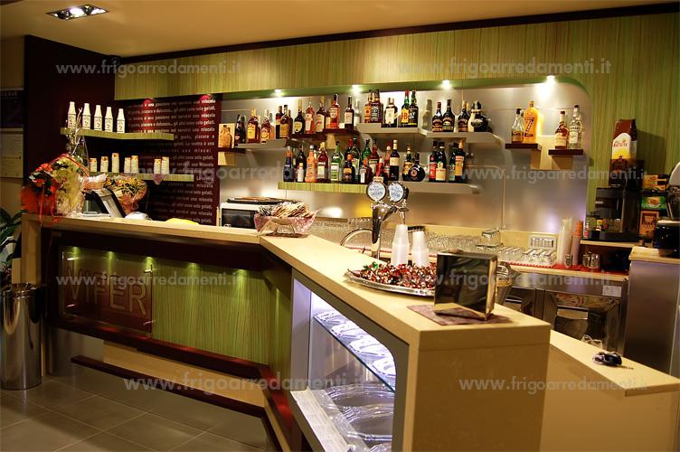 Frigoarredamenti s a s arredamenti for Banchi bar e arredamenti completi